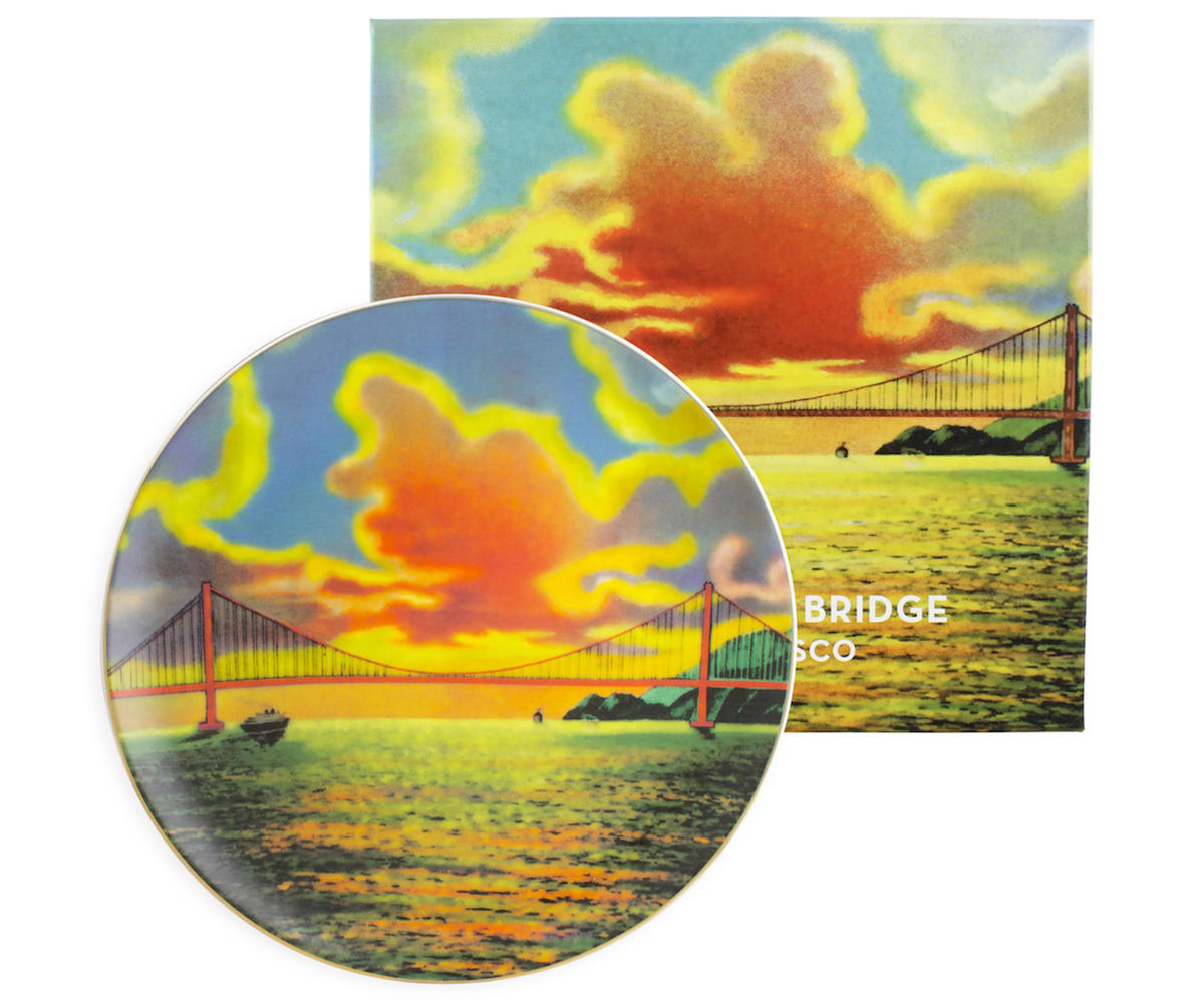 Serving plate featuring a vintage image of San Francisco.