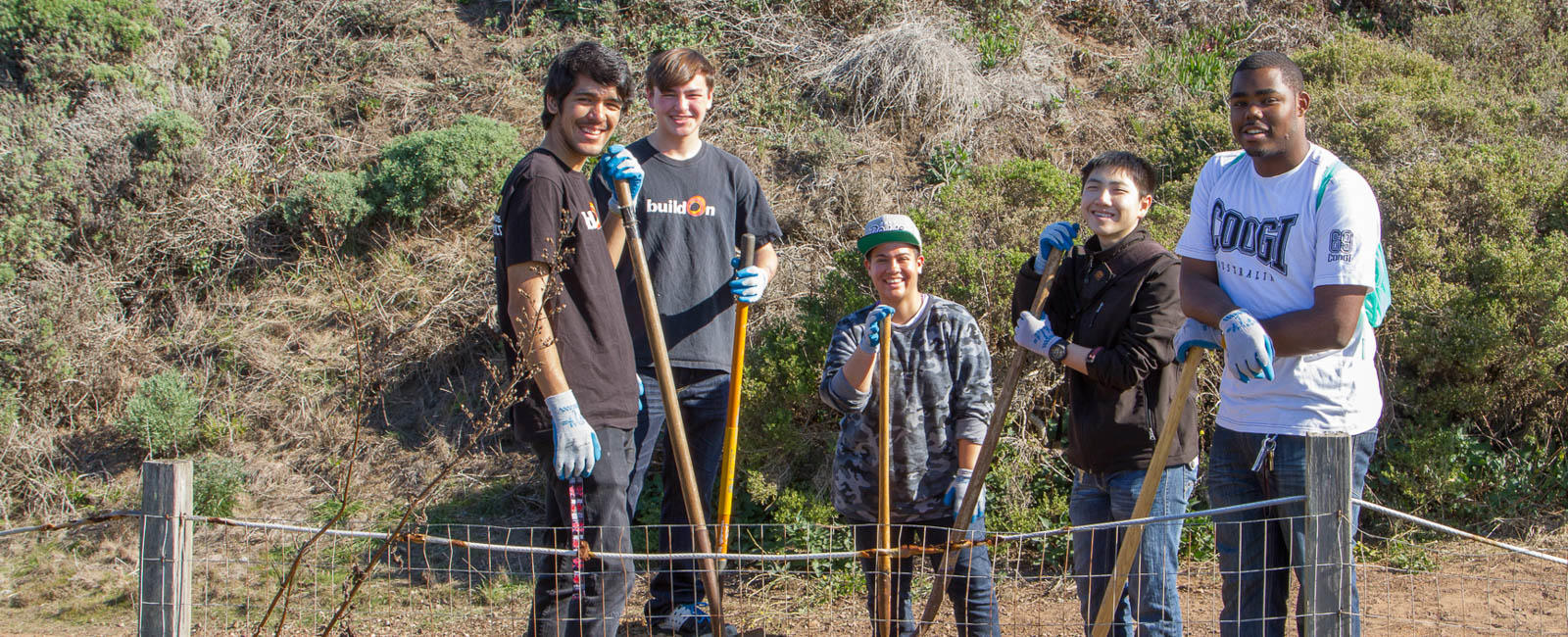 Teens Volunteering with Stewardship Trails Program