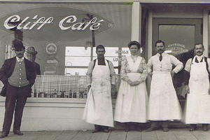 Koch-Cliff Cafe & staff c1912
