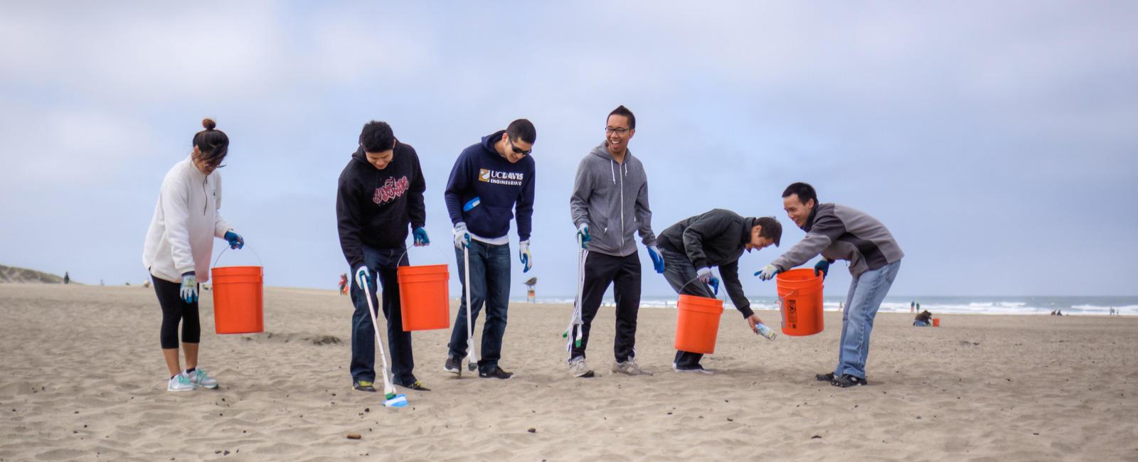 Volunteers at Coastal Clean-up Day