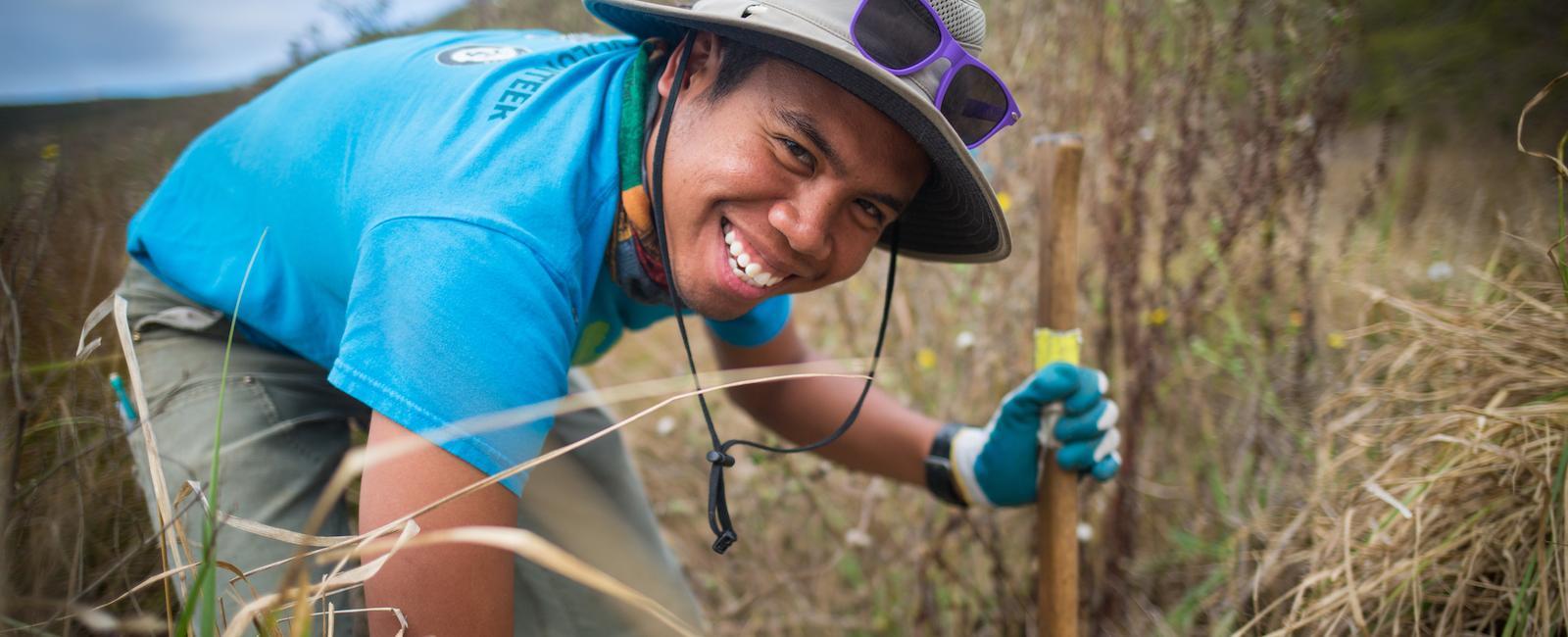 Volunteer restoring habitat at Tennessee Valley