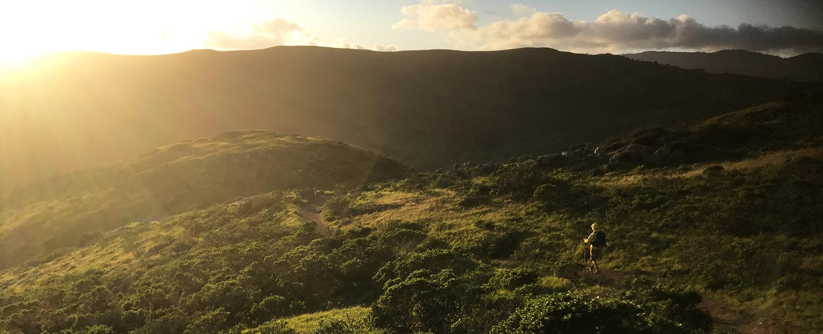 Hiking down into Tennessee Valley